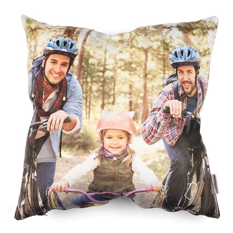 coussin photo de grande qualit offrez un coussin personnalis. Black Bedroom Furniture Sets. Home Design Ideas