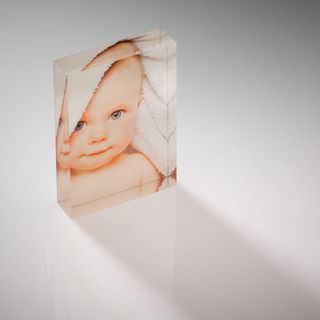 marco de fotos de bebe en acrilico