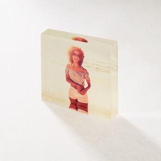 cornice acrilica quadrata personalizzata con foto donna