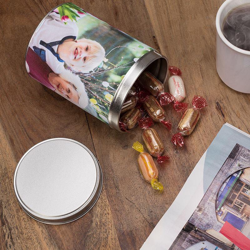 personalisierte blechdose in zylinderform runde blechdose bedrucken. Black Bedroom Furniture Sets. Home Design Ideas