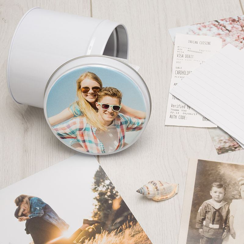 Small round Photo tin memento
