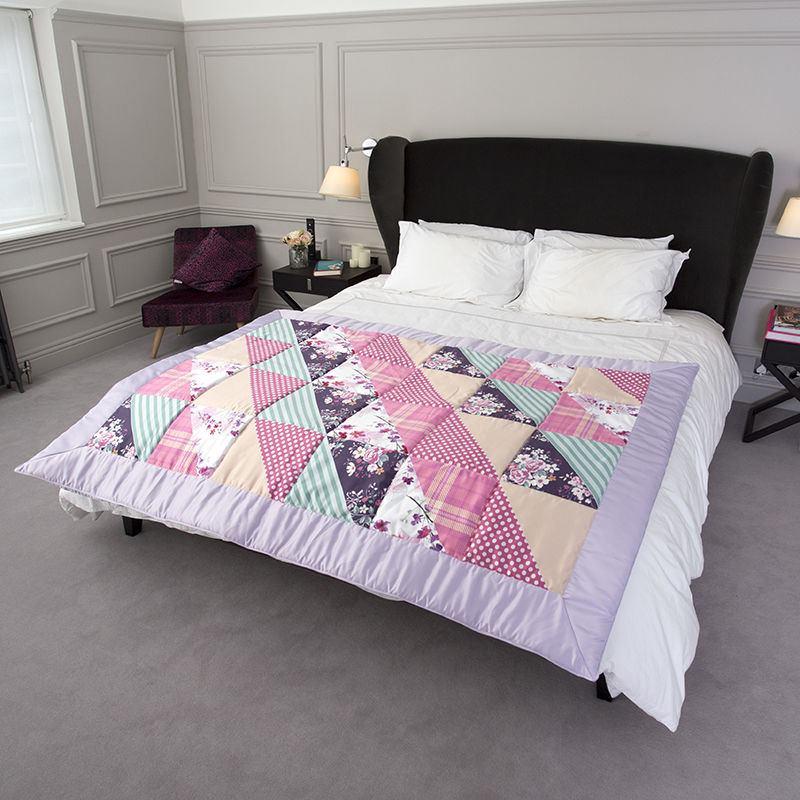 patchworkdecke mit fotos patchworkdecke selbst gestalten. Black Bedroom Furniture Sets. Home Design Ideas