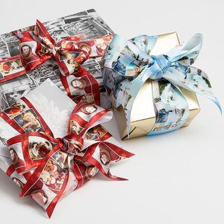 Cadeaux avec ruban satin personnalisé