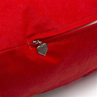 Big heart cushion zip tag