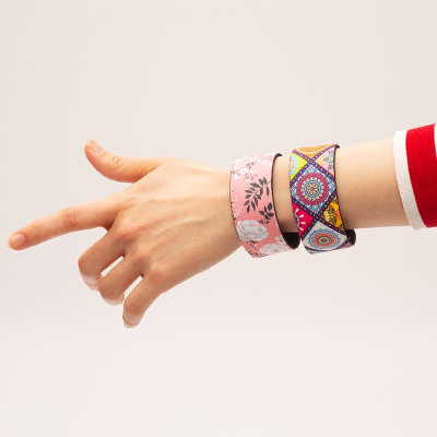custom wristbands with pattern design