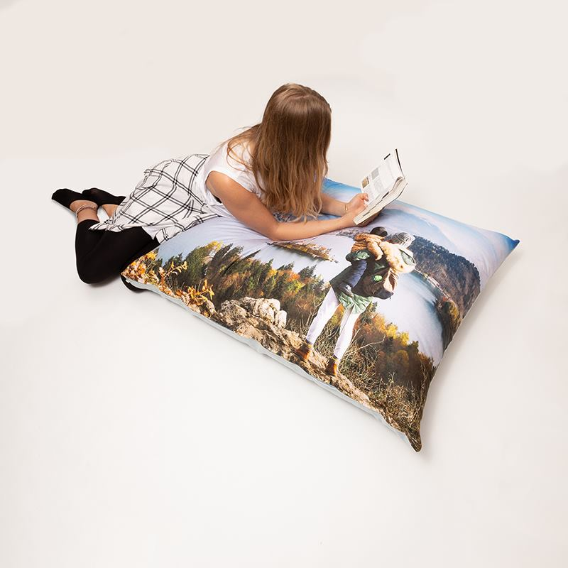 grand coussin de sol pesonnalis coussin de sol imprim avec photos. Black Bedroom Furniture Sets. Home Design Ideas