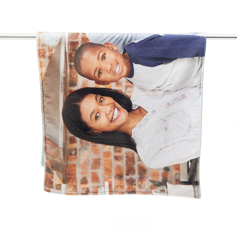 drap de bain personnalis avec photo id e cadeau photo. Black Bedroom Furniture Sets. Home Design Ideas