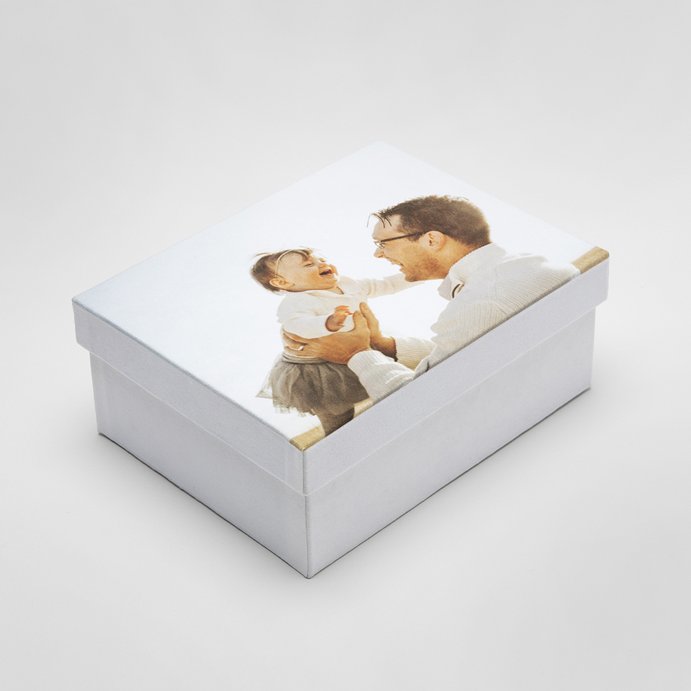 erinnerungsbox für babys mit foto von baby und mutter
